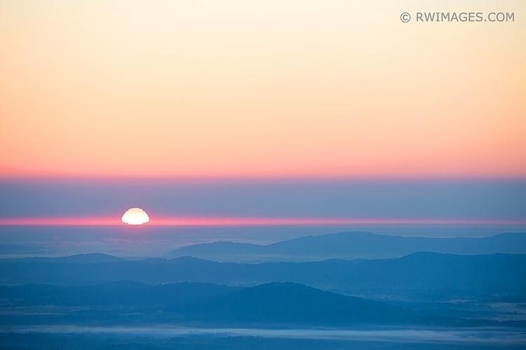 BLUE RIDGE MOUNTAINS SUNRISE SH - rwi | ello