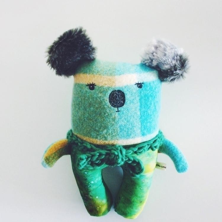 Rudi likes odd ears - woolrug, koala - alittlevintagedoll | ello