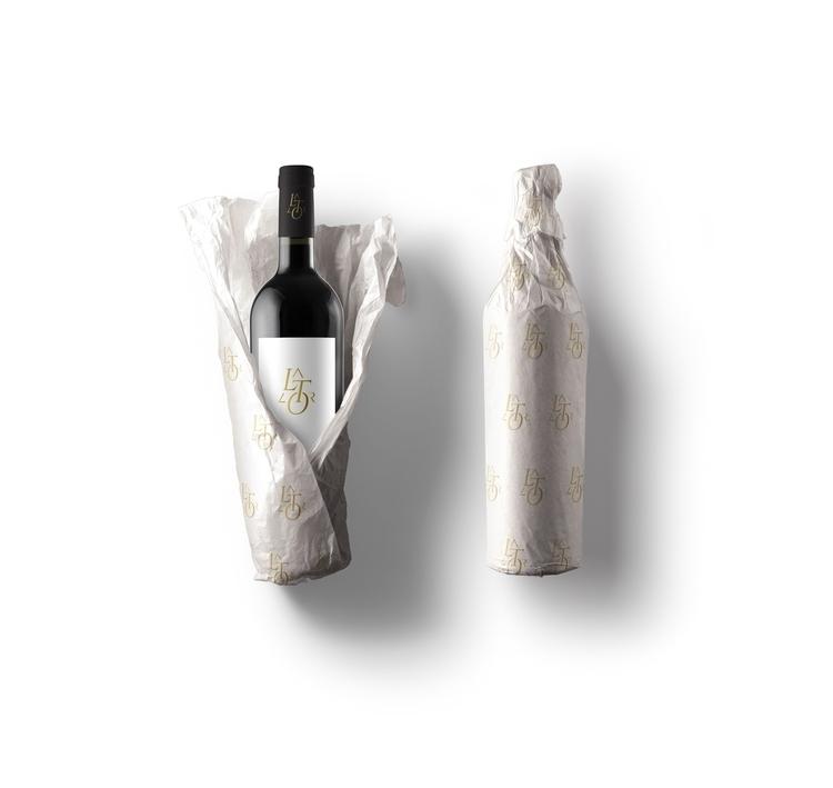 Bottle designed Le Triangle - romainzampieri | ello