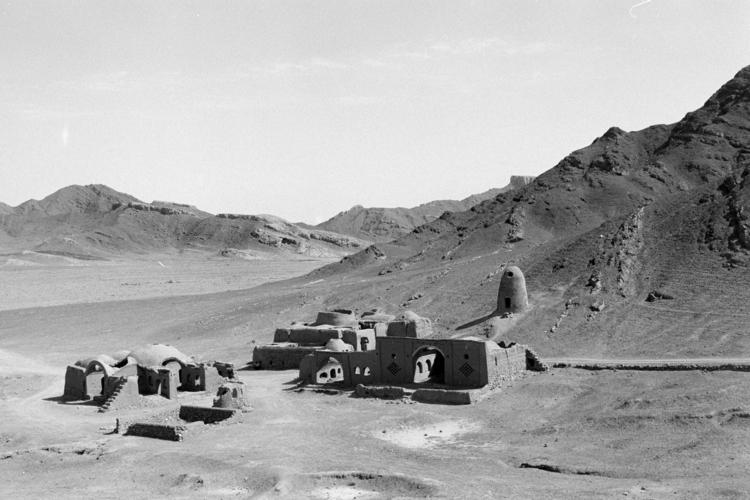 Iran 2016 – Abandoned village Z - andreastrenker | ello