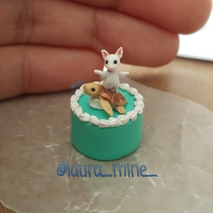 Teeny cake - laura_mine | ello