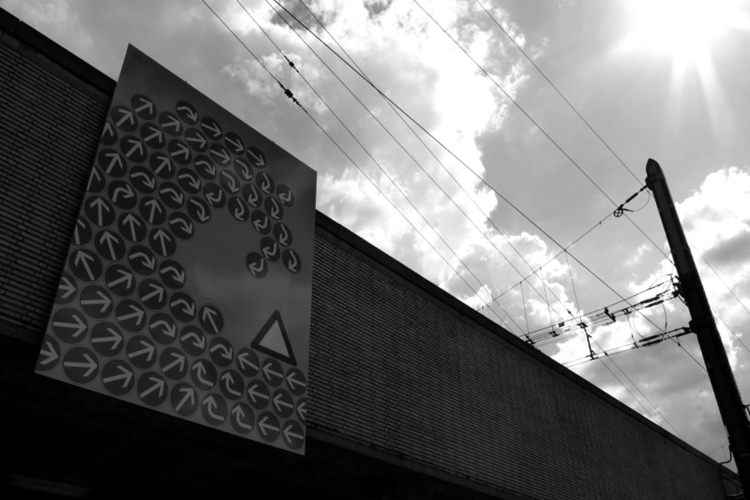 'strange roadsign' Brussels - s - studio_zamenhof | ello
