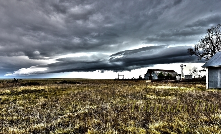 Beautiful storms Colorado easte - tornadotim | ello