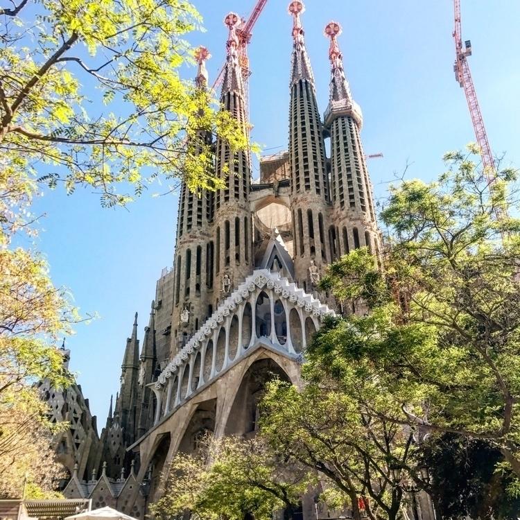 sagradafamilia, gaudi, barcelona - ldsvtnsvr | ello