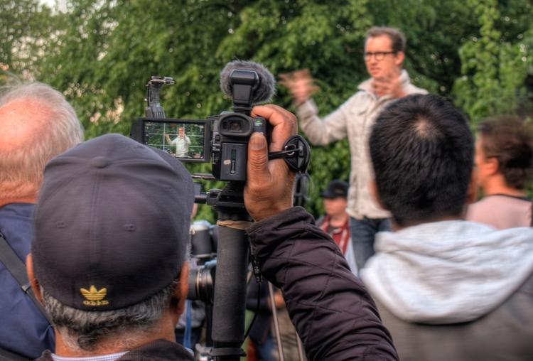 filming - Trey Ratcliff filmed  - neilhoward | ello