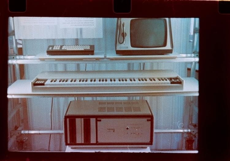 History electronic instruments  - stikka | ello