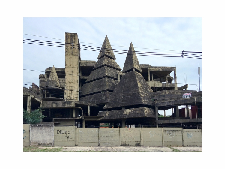 Brutalist house sale, Asunciòn  - filippominelli | ello