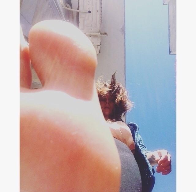 iputalegonyou:feet: - kohananeptune | ello