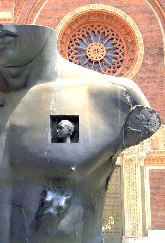 Sculpture detail Milano - euric | ello