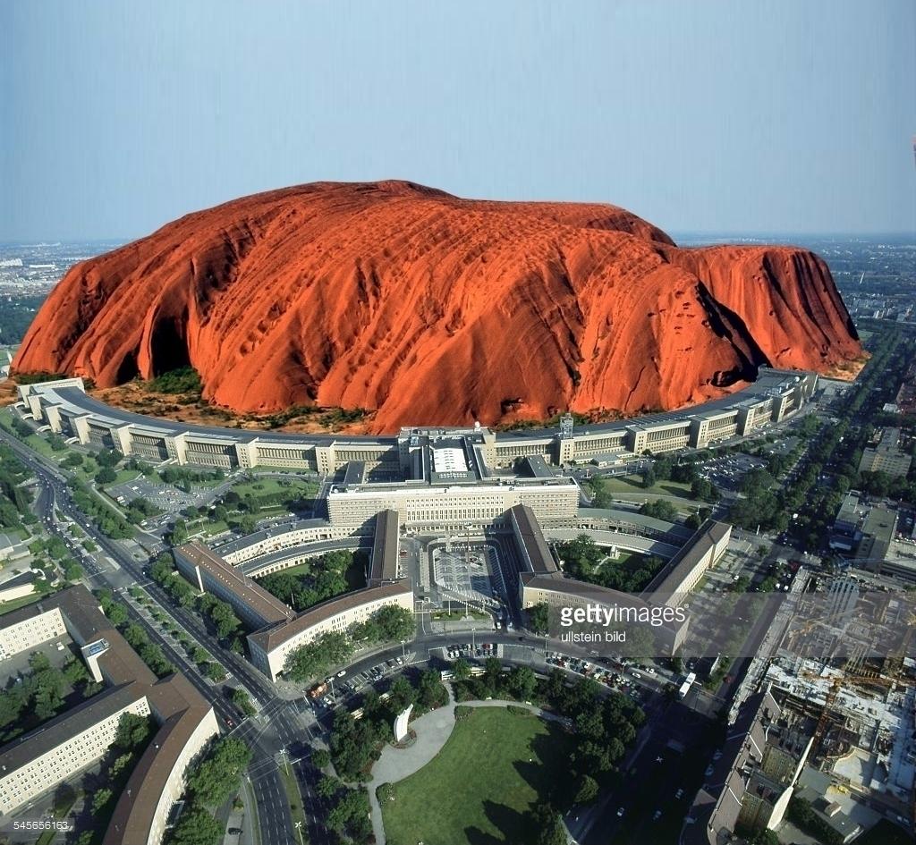 Uluru - West Berlin - charles_3_1416 | ello