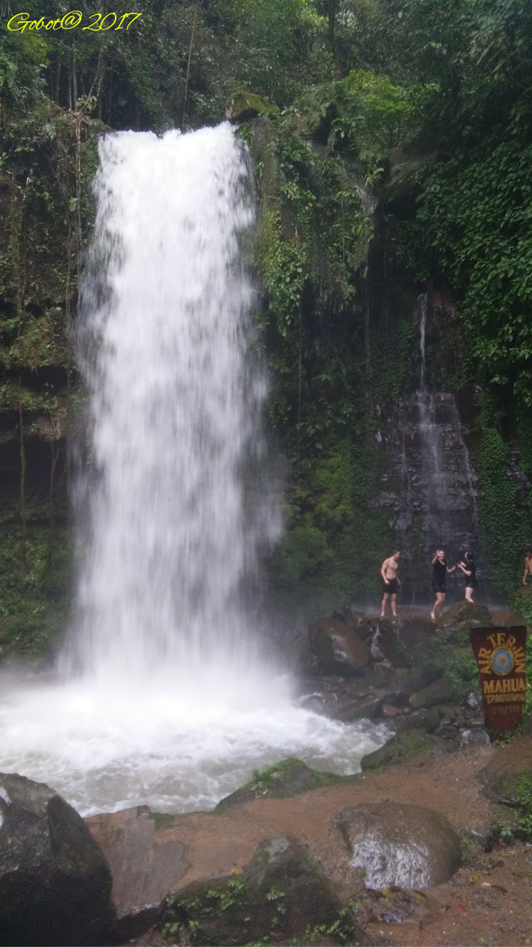 Nice walk waterfall, beautiful  - gobotadventure | ello