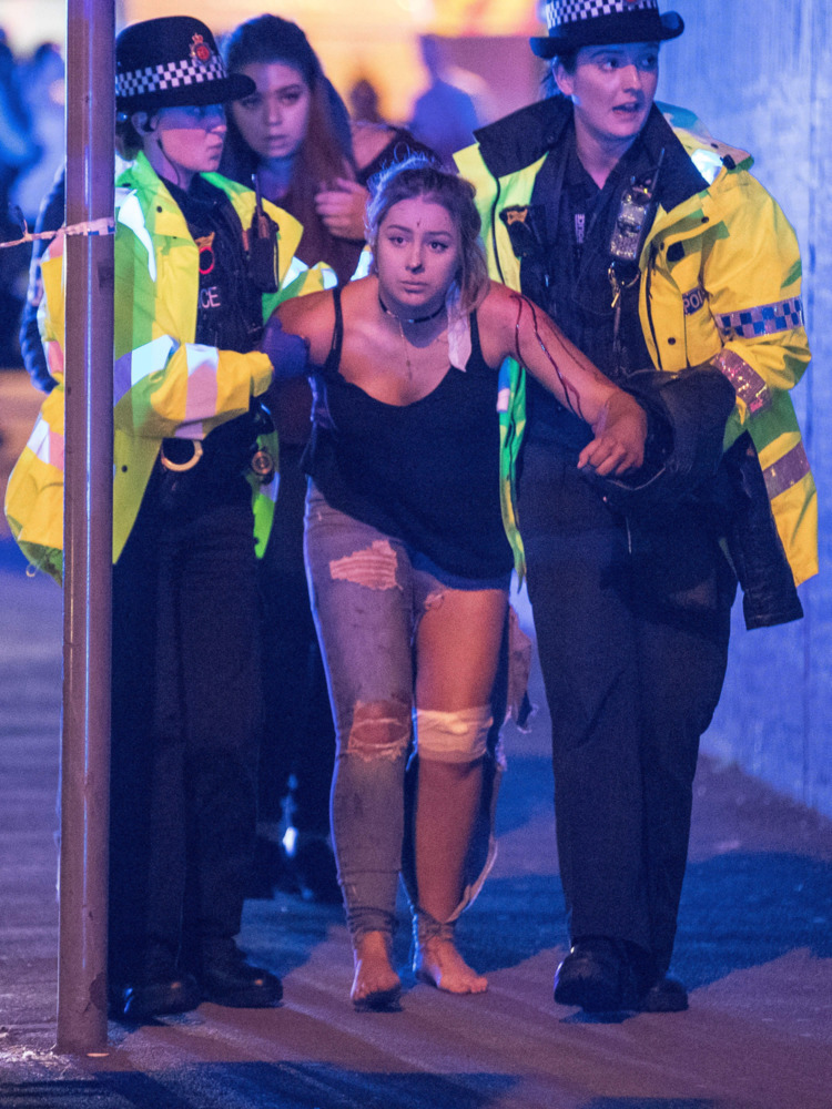 22 killed bombing Ariana Grande - ellonews | ello