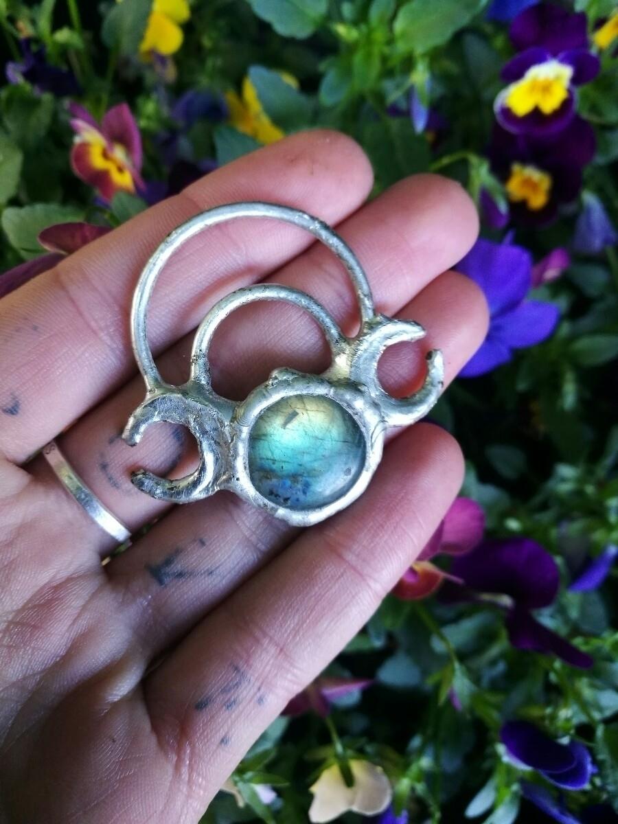 triple moon Goddess pendant ets - terraflux   ello