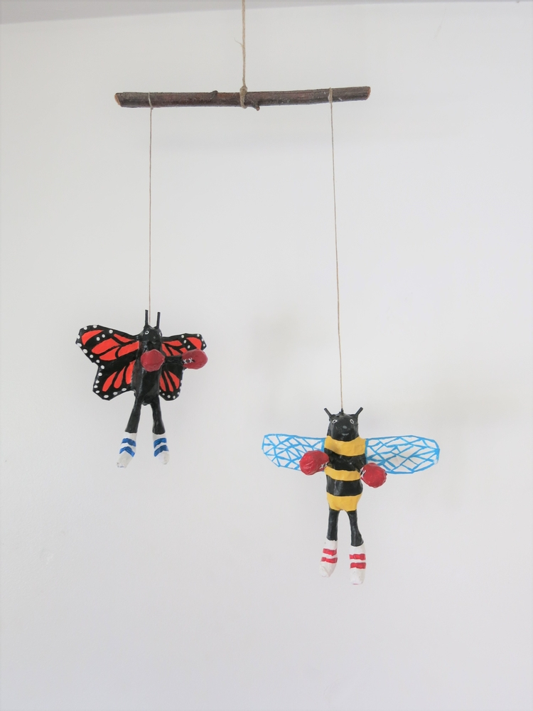 float butterfly sting bee boxin - jikits | ello