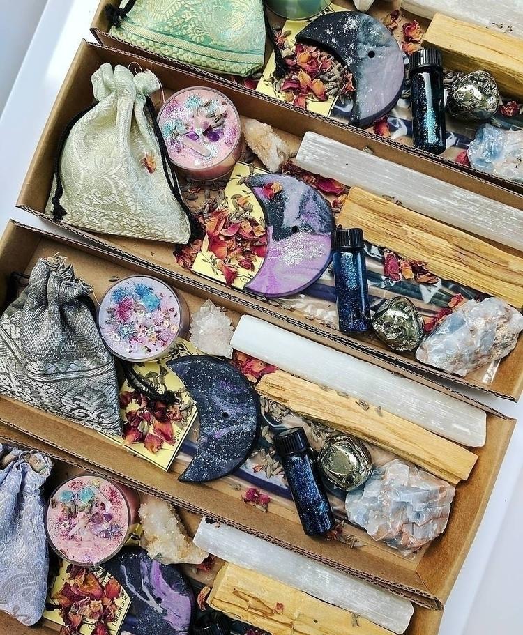 Beautiful ritual boxes grabs Et - bodybeewell | ello