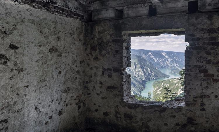 Bosnian photographer Ziyah Gafi - wetransfer | ello