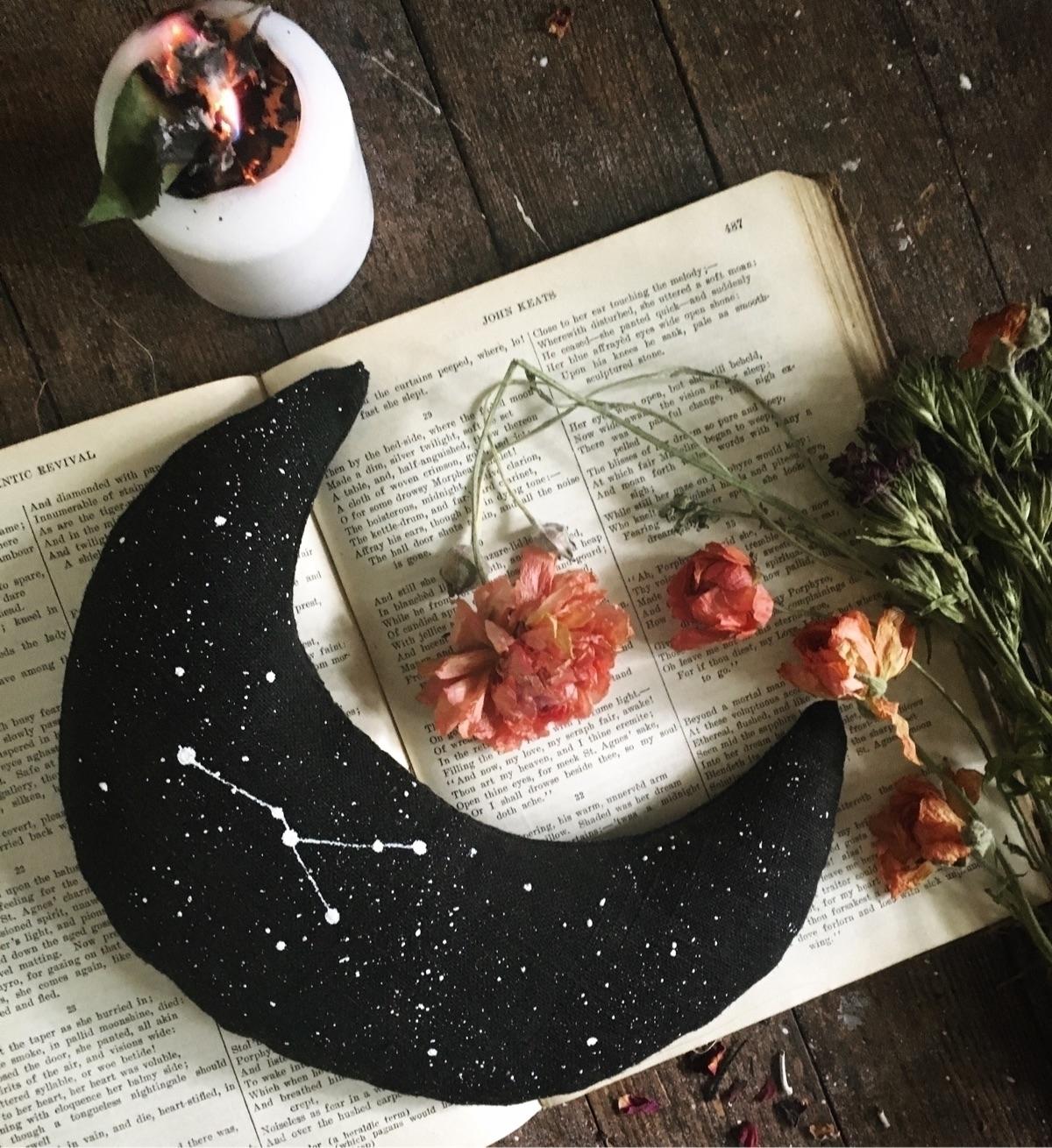 Psychic Dream Pillow stars nata - lightofanjou | ello
