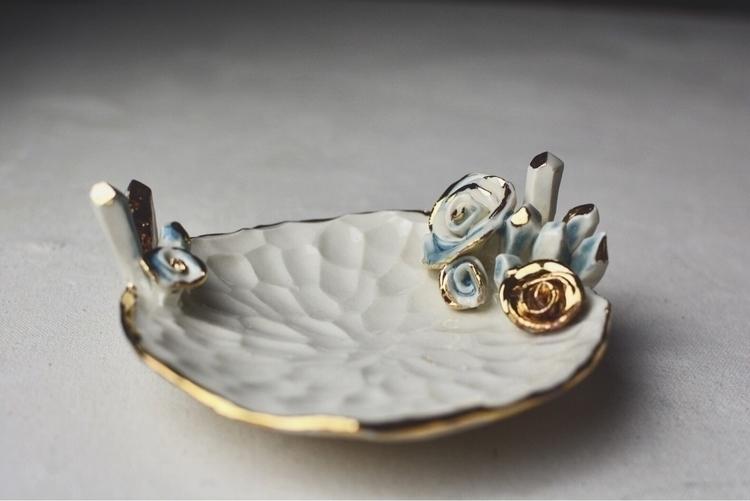 Crystals Roses . Cone 6 porcela - potterybyrosie | ello