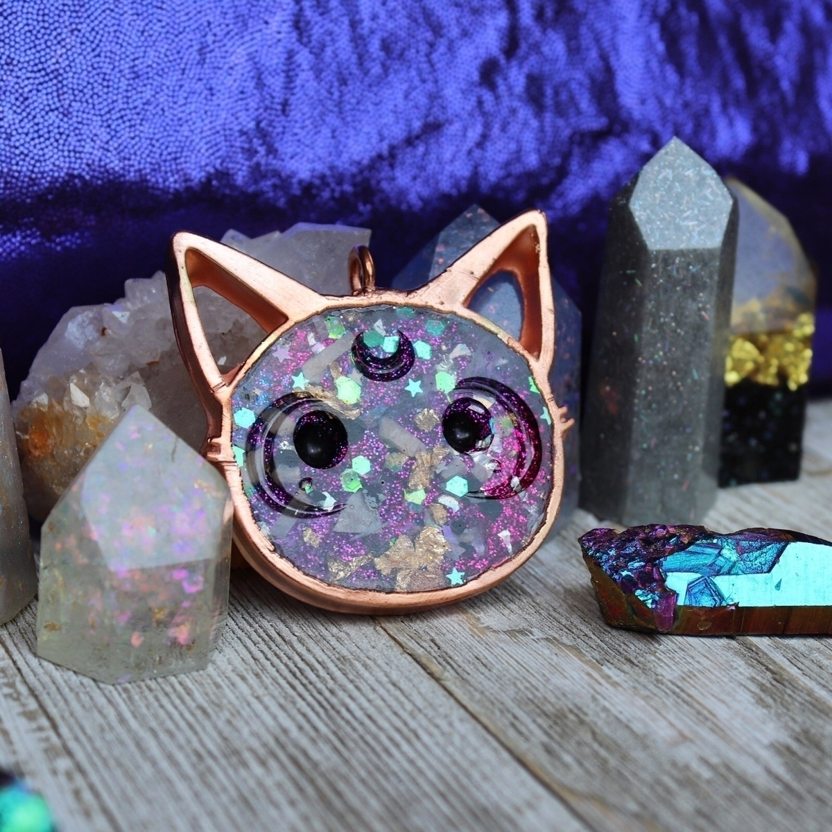 Luna Kitty - orgonite pendant  - hoodxhippie | ello
