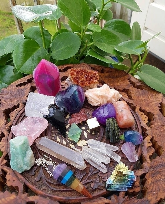 Monthly Mineral Box  - crystals - swallowthesun | ello