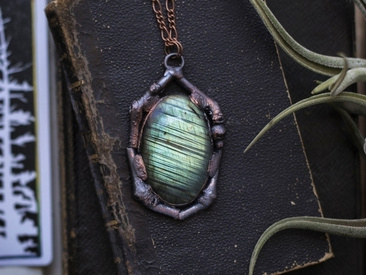 Earth Fire Necklace  - labradorite - bainiel | ello