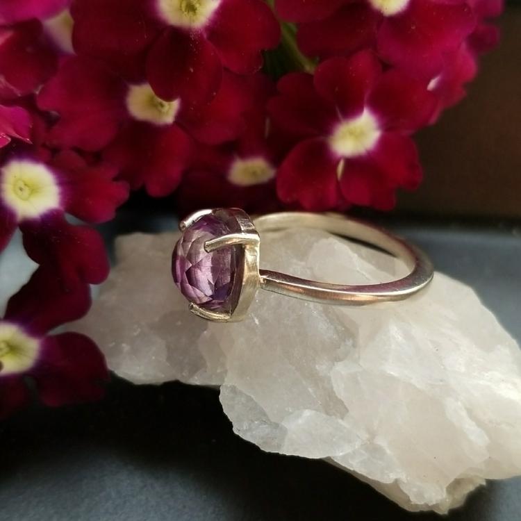 finished sweet Amethyst ring. s - alleyec | ello