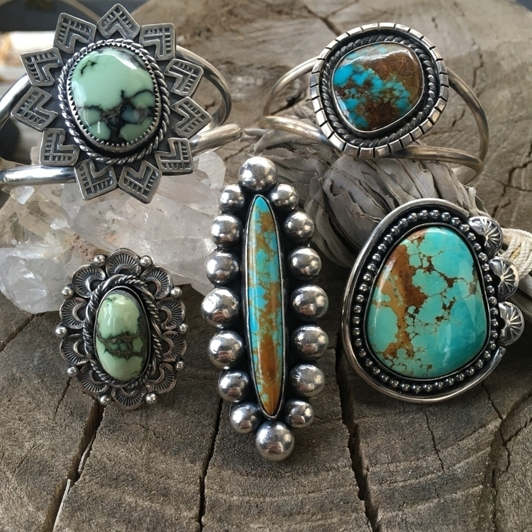 myopicvoidjewelry Post 24 May 2017 22:38:08 UTC | ello