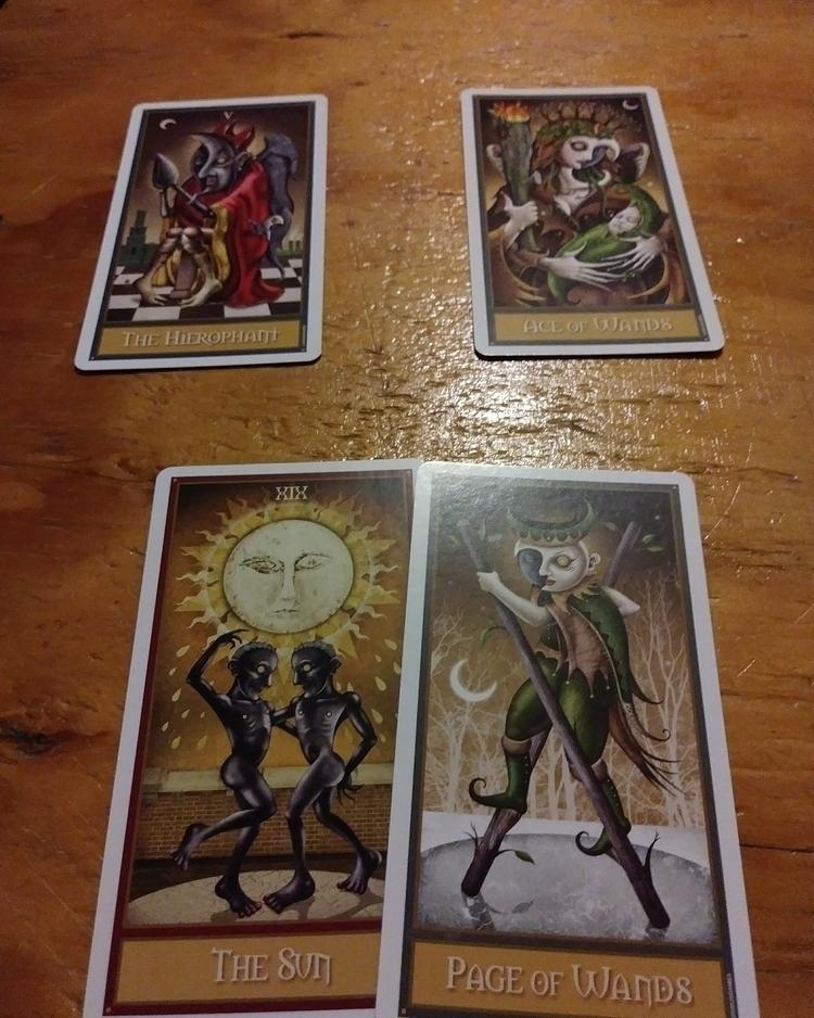 Deviant Moon tarot. 3 card spre - readingsbyv | ello