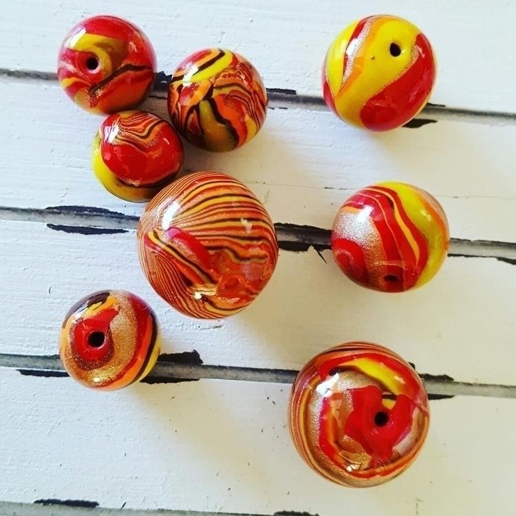 Sun beads! Love blend colors! I - jadesculpts | ello