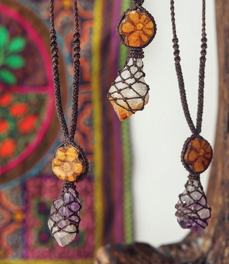 Handwoven macrame necklaces Ame - itayaarte | ello