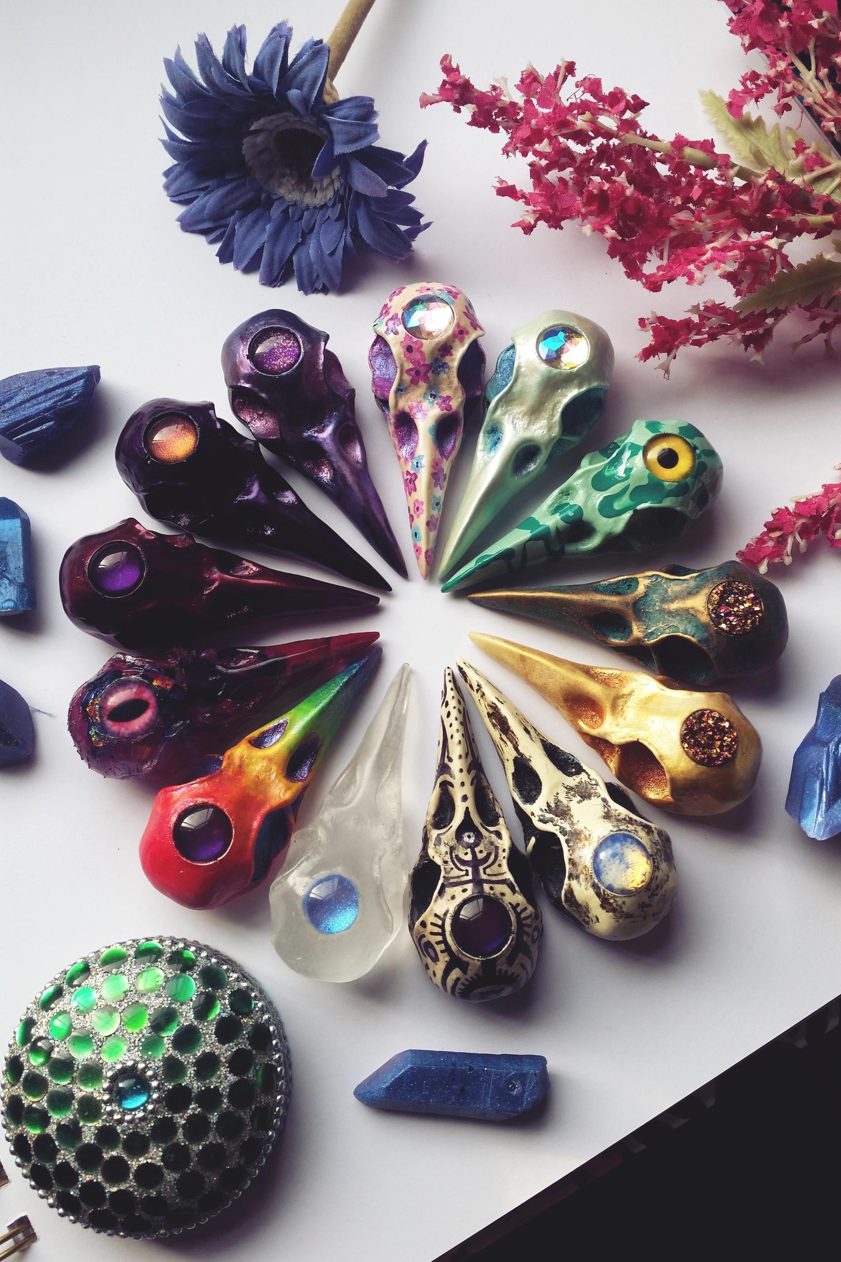 Hand Painted Resin Skulls - handmade - ravncotino | ello