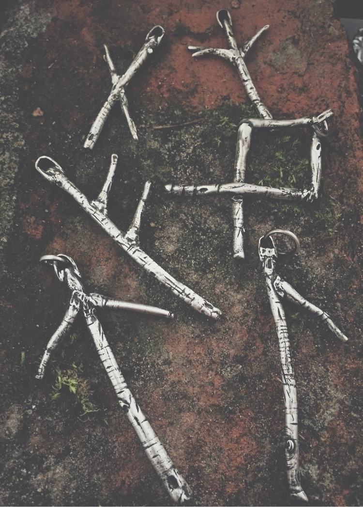 Darkwood Jewelry - hand carved  - darkwoodjewelry   ello