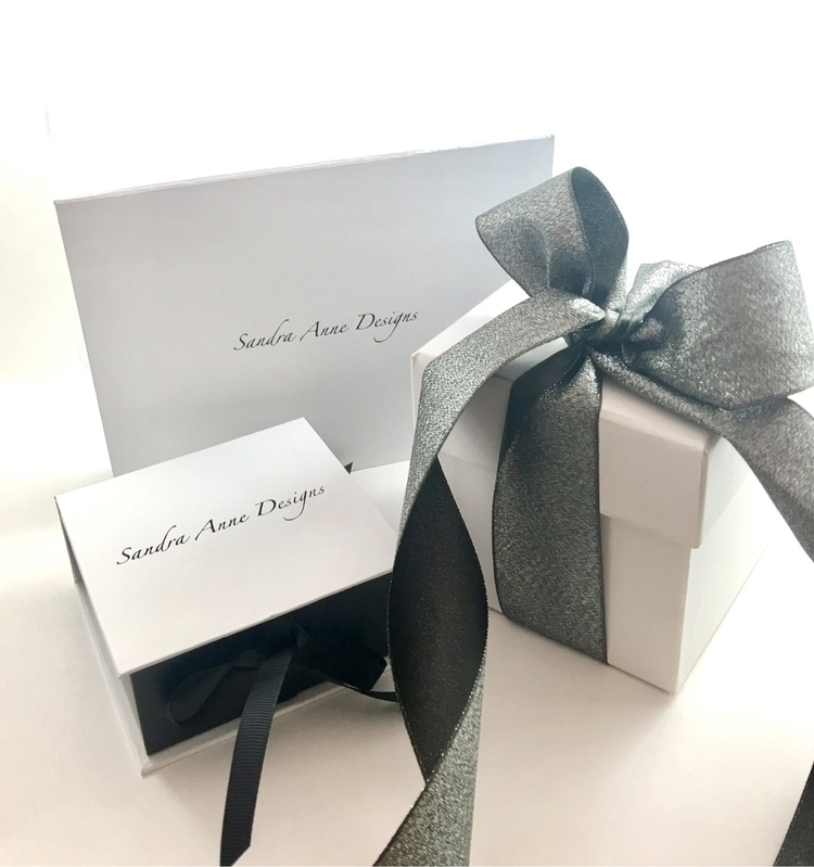 packaging jewelry shipped order - sandraannedesigns | ello