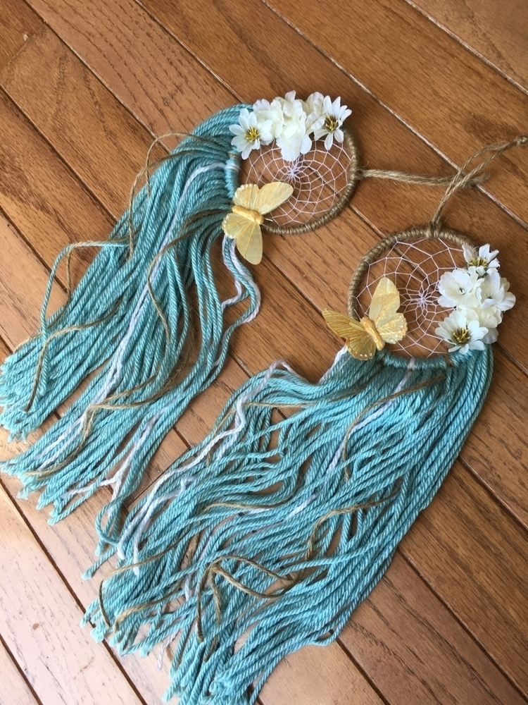 2 Custom Butterfly 🦋 Flowers - Dreamcatchers - uniqueedreamss | ello