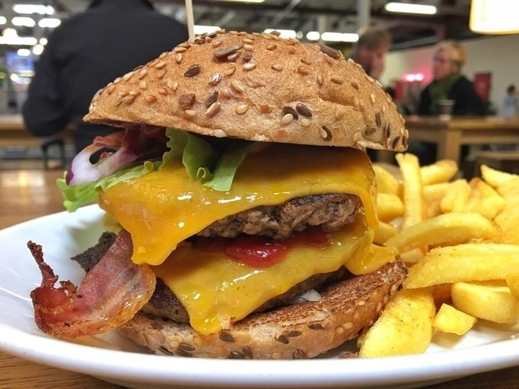 Time lunch! ⇢ American à la Din - rowiro | ello