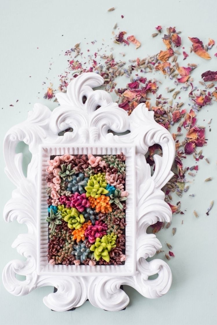 Ornate succulent frame  - Etsy, etsyshop - thethirstydesert | ello