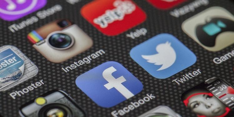 blogpost day deals news Faceboo - zoombubba | ello