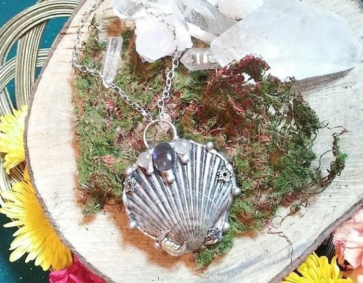 Soldered moon vibe seashell nec - tangledjewels | ello