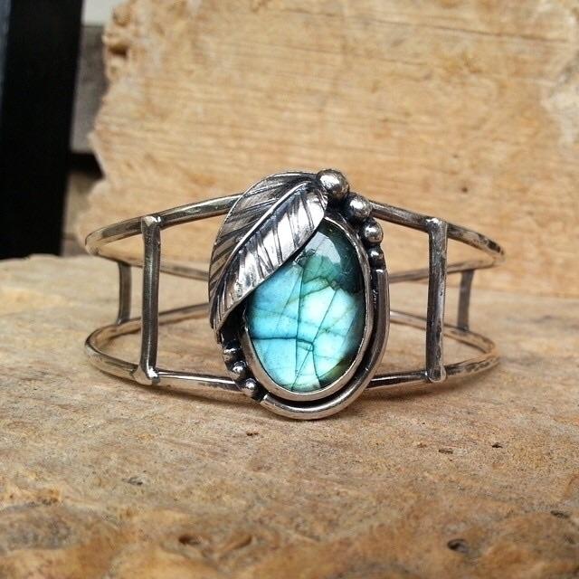 Throwin' Labradorite cuff coupl - twocatsjewelry | ello