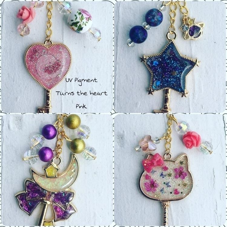 Hey guys! bezel keychains! pink - rosecreations91 | ello