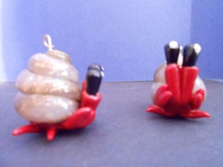 felling crabby  - crab, hermitcrab - biancaslittlecorner | ello