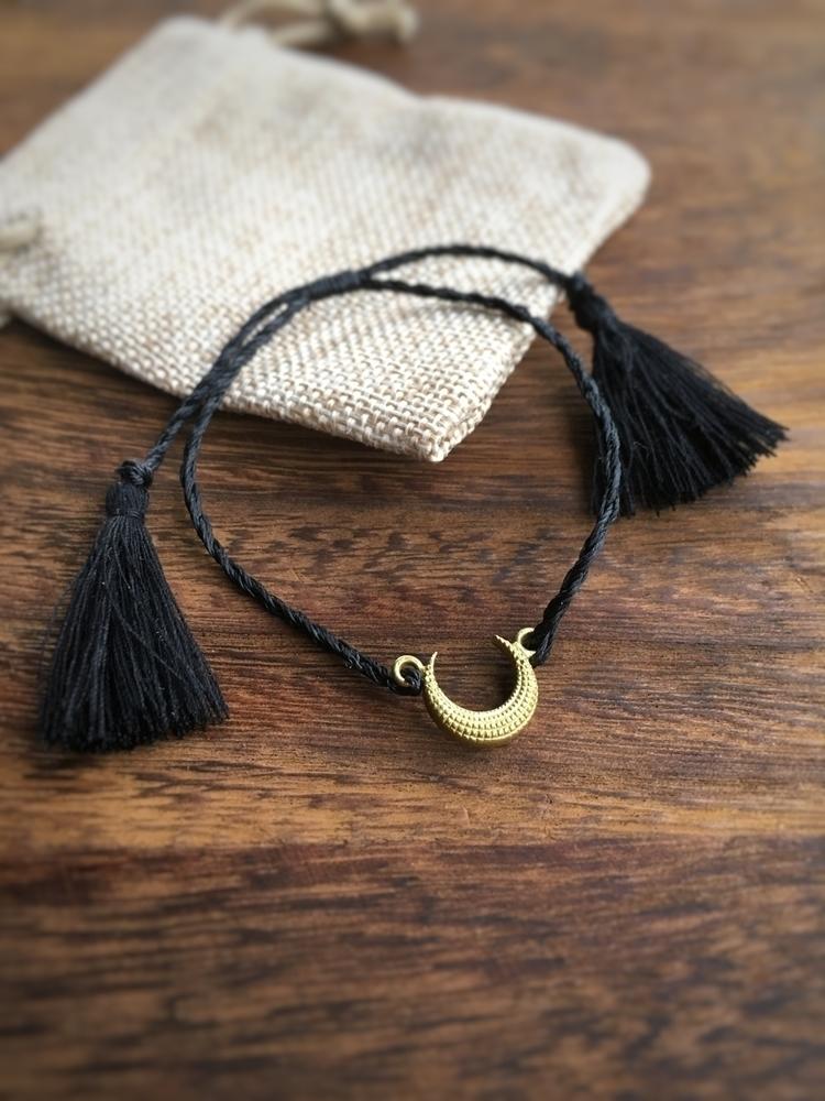 handmade Moonchild bracelet. bl - amasqueradedream | ello