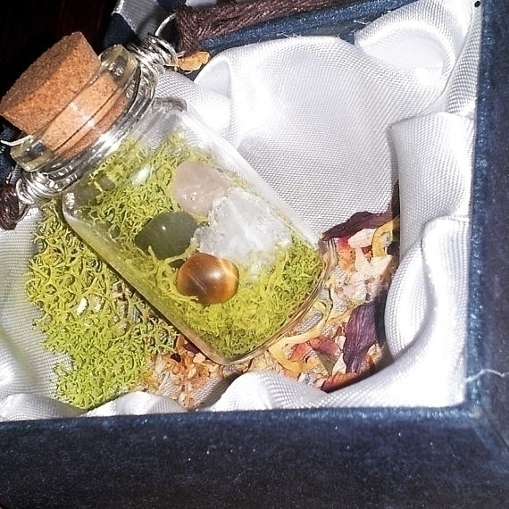Healing crystal Vial necklace r - mintroyaleshop | ello