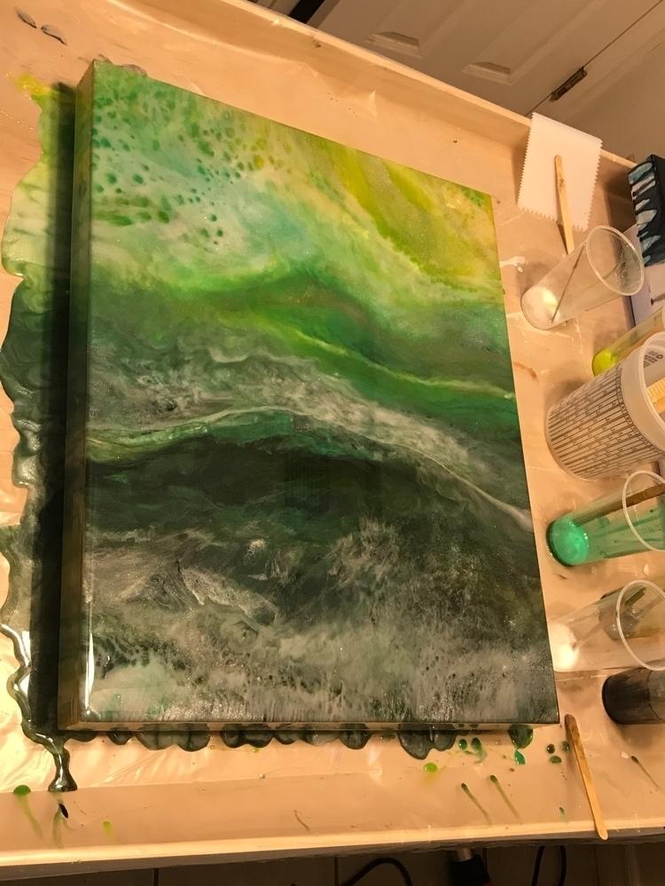 break grind pour paint resin..  - aquasouldesigns | ello