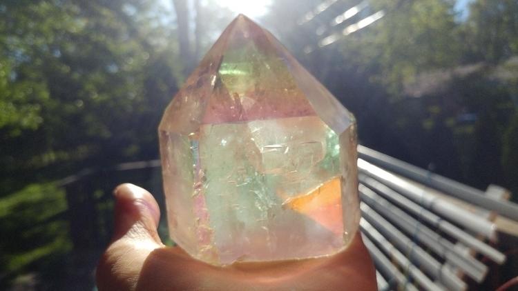 pretty aura crystal shiny-ness  - mindbodyspiritarttherapy | ello