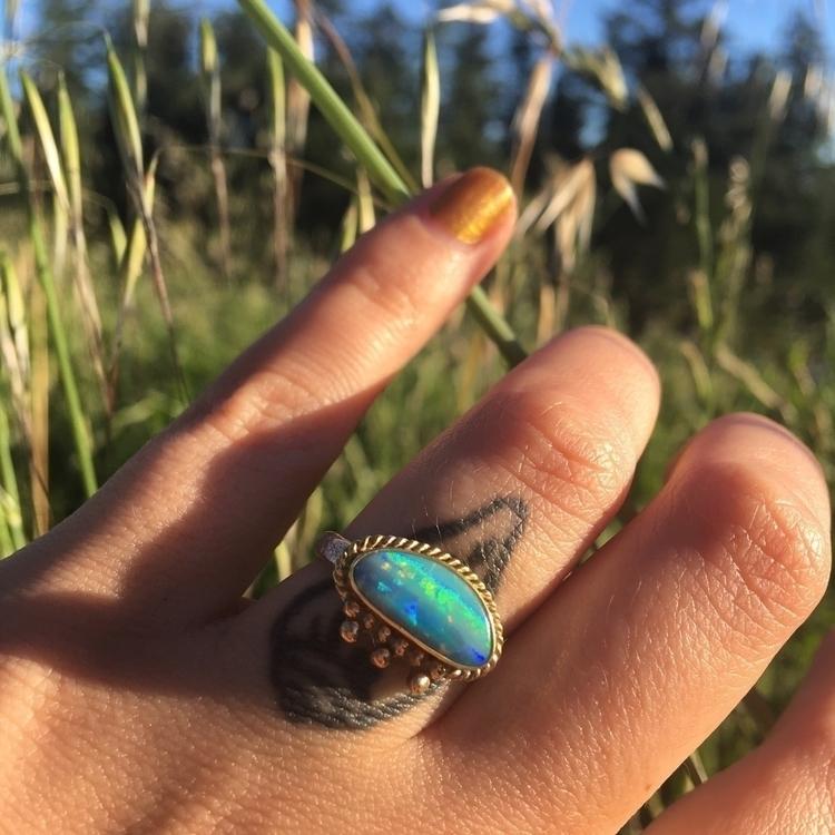 Weeping Opal Ring spin sun. 18k - ginapinzarijewelry | ello