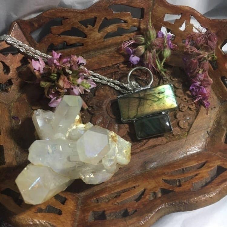Handmade Labradorite Cabochon N - kristalcave | ello