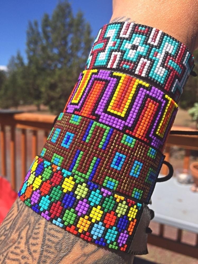 Color poppin bracelets >&gt - lulubeadingbear   ello