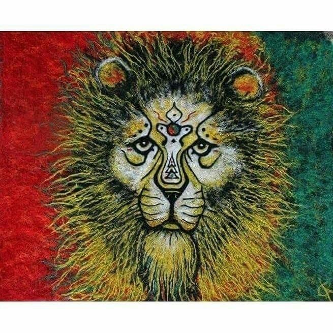 Loyalty Lion - needlefelting, needlefelted - artbydevinashleigh | ello