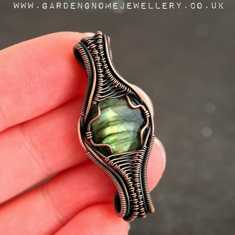 attempts symmetry, find shop  - labradorite - gardengnomejewellery | ello
